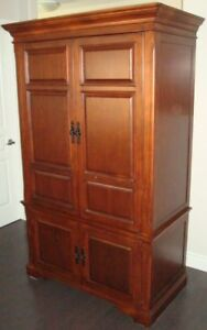 Armoire - Solid Wood - Excellent condition