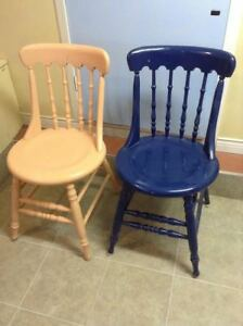 SIX KITCHEN/DINING ROOM CHAIRS