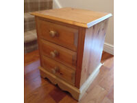 Pine bedside drawers - upcycling project