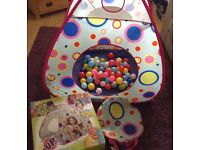 Pop up Tent with Balls plus 2 extra bags of balls