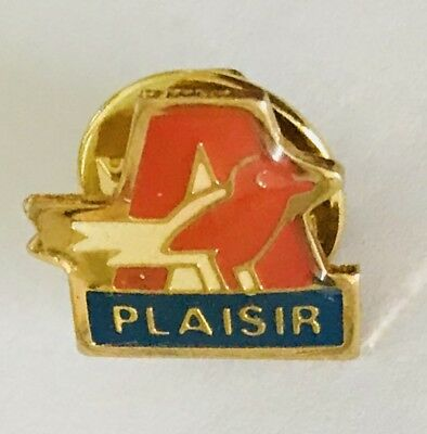 Plaisir Letter A Bird Animal Lapel Pin Badge Vintage (C9)