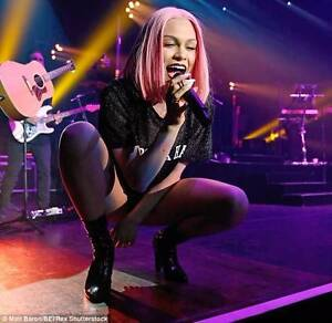 Professional Experienced Female Singer Required for Brisbane Duo Lutwyche Brisbane North East Preview