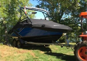2014 Yamaha 212X Wake Waterski boat