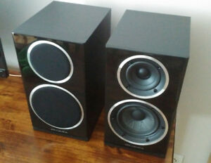 Bookshelf Speakers / Haut-Parleurs Wharfedale Diamond 220