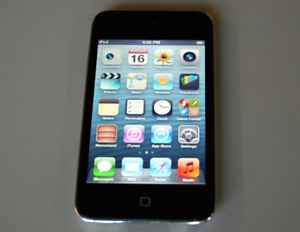 APPLE iPod Touch 4thGen Black 8GB with Retina Display