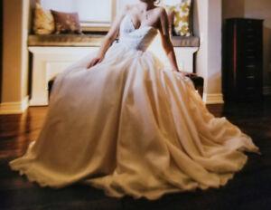 Essense of Australia Wedding Gown- Size 10