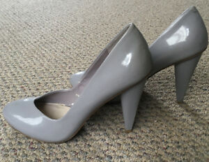 Grey glossy stiletto shoes