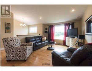 ******OPEN HOUSE SUNDAY 2-4pm*******Brand New Condition East SJ