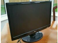 "LG W2243S-PF 22"" Black Monitor Screen 1920 x 1080 pixels LCD with cables"