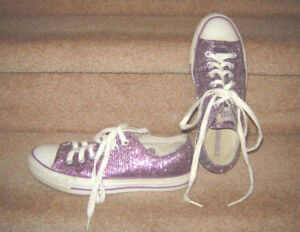 Converse sz 8 (fit bigger?), Boots & other Shoes - 8.5, 9, 9.5