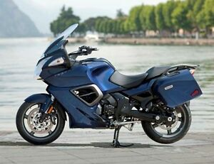 2014 Pacific Blue Triumph Trophy SE 1215 CC.