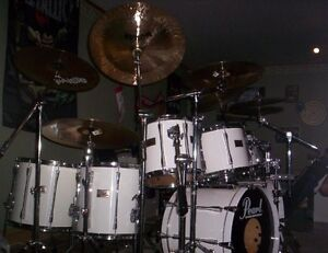 Pearl Export drums with extras
