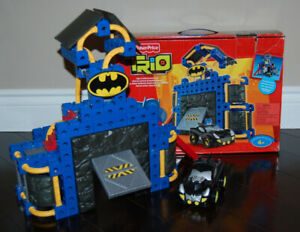 Fisher Price TRIO Batman, Batcave, Batmobile Very Good Condition