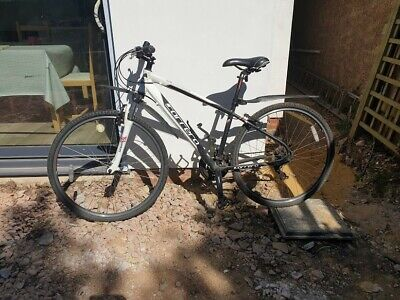 "Carrera Subway hybrid bike medium 18"" frame"