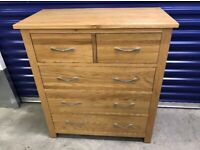 Lovely Oak chest of drawers, excellent condition, can deliver