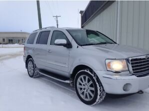 2009 Chrysler Aspen LOW Kms AWD