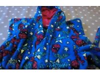 Spiderman dressing gown size 5-6