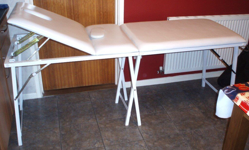 Mercia collection portable therapy massage table in for Mobile beauty therapist table