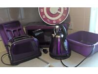PURPLE MICROWAVE, KETTLE, TOASTER, BOWL, CUTLERY TRAY & CLOCK BUNDLE - NO OFFERS!