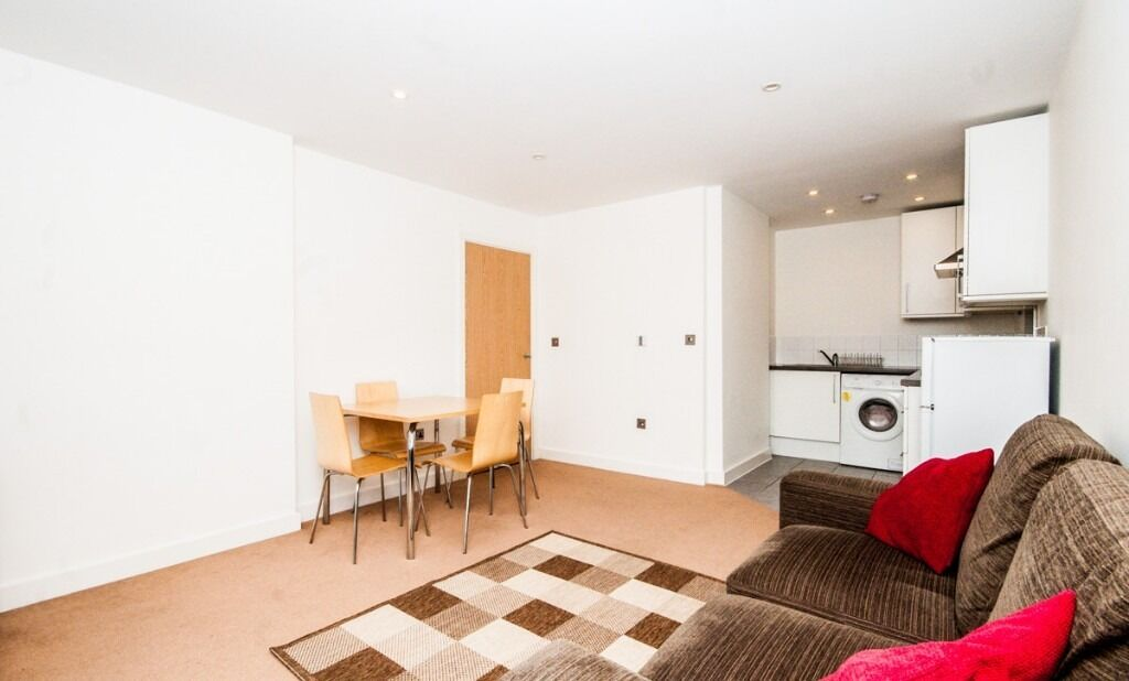 Superb one double bedroom flat with balcony located in vibrant Islington N1.