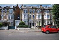 4 bedroom flat in Stapleton Hall Road, Crouch Hill