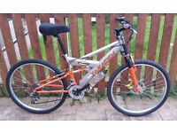 """Bike Team Saracen (18 gears, 26"""" Wheels, Compact Frame) With Lots of Extras"""