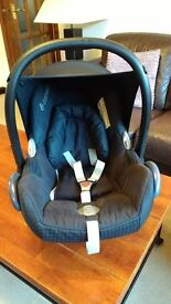 Maxi Cosi stage one baby car seat 0-12 months approx.
