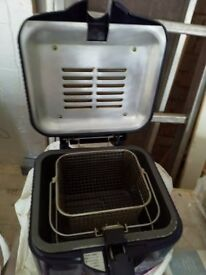 Free Oil with Morphy Richards Small Blue Deep Fat Fryer