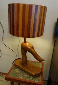 UNIQUE WOODSY LAMP w/ wood shade - in Bowser