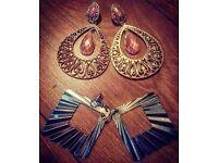 Set of 2 ladies earrings - £4