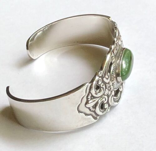 TOWLE CUFF BRACELET SILVER GRAND DUCHESS PATTERN OVAL AFRICAN JADE CABOCHON