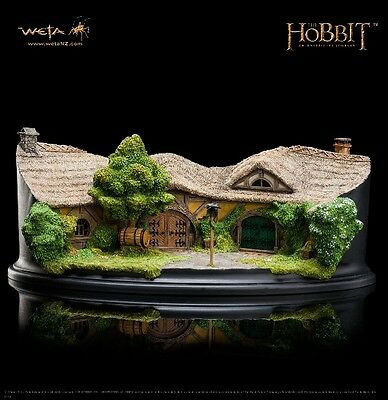 Weta Collectibles The Hobbit The Green Dragon Inn Polystone Environment New