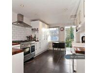 1 bedroom flat in Hansler Road, East Dulwich, SE22 (1 bed) (#1166442)