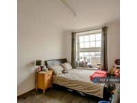 2 bedroom flat in Norden House, London, E2 (2 bed) (#996863)