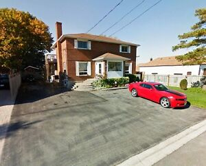 Luxury, Space & Comfort - 3 bed, 2.5 bath, 2 flrs *May 1, WHITBY