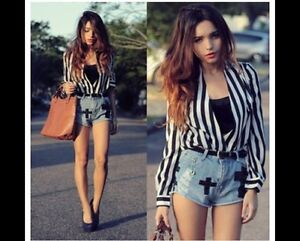 Edgy cross over contrast stripe top Edmonton Edmonton Area image 8