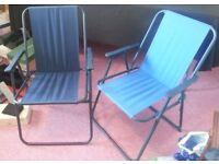 2 folding deckchairs
