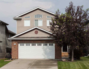 Luxury Living in Sherwood Park! You Don't Want To Miss This!