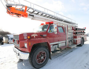 1993 Ford F800F Ladder Fire Truck