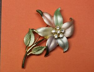 Beautiful Enamel & Rhinestone Pastel Flower Brooch Pin Unsigned Kingston Kingston Area image 4