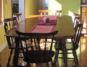 Maple table and chairs MUST SELL