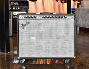Vintage 1970's Fender Twin Reverb Silverface Guitar Amplifier