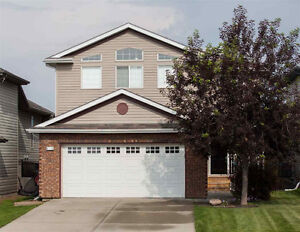Gorgeous Home in Sherwood Park... Luxury Living!