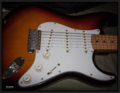 GUITAR. Fender Stratocaster Japan 1995 very little use Mint Mount Louisa Townsville City Preview