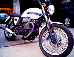 Moto Guzzi v7 Classic white motorcycle - MINT low mileage