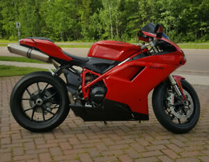 2012 Ducati 848 evo for sale only 2200 kms!
