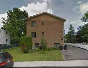 ROOM TO RENT IN LONGUEUIL