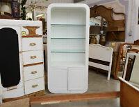 Entrepôt de meubles vintages et antiques ouvert au public