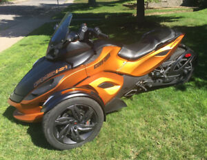 Can am Spyder RSS SE5, 25,000km Semi  automatique 10,750.00$