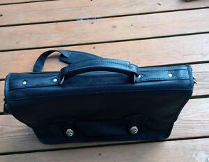 Black Leather Bag Kingston Kingston Area image 2